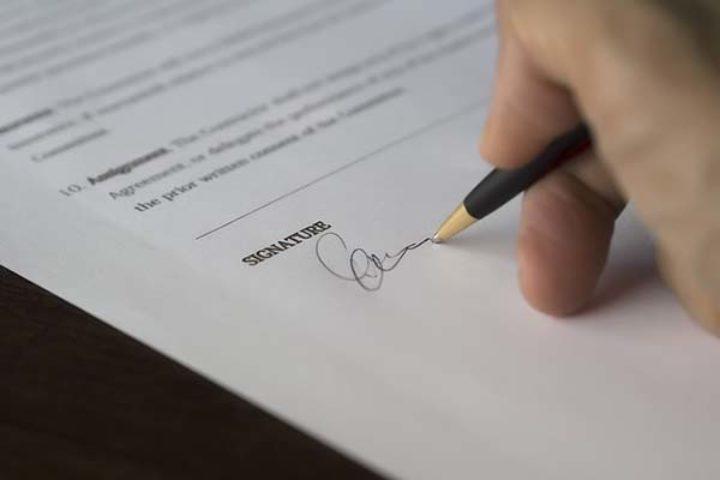 Falsk underskrift og ugyldige avtaler